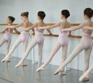 Balett 8-12 år | Uppsala Danscenter